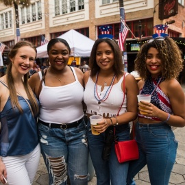 Wall St. Plaza: Red White & Brew 2019