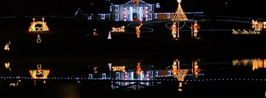 Cottoms Farm Christmas Lights 2020 Cottom Farm's Christmas Village   Services   The Villages   Weirsdale