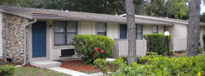 Pinellas Pines Apartments