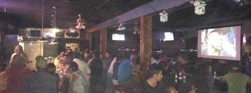 Las Adelitas Bar