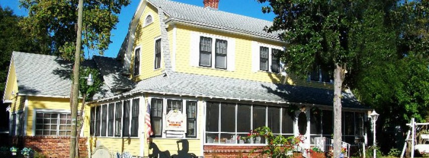 Strawberry House Bed & Breakfast- Plant City, Florida
