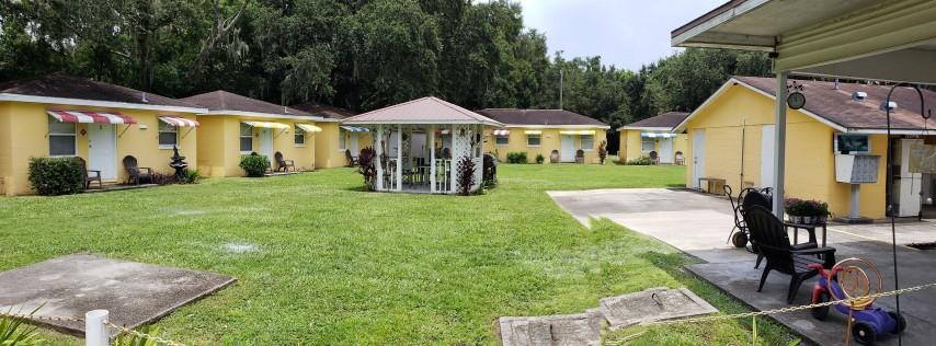 Miami Court Cottages