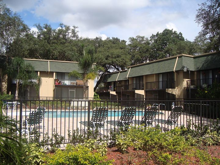 greenwich commons apartments real estate north tampa