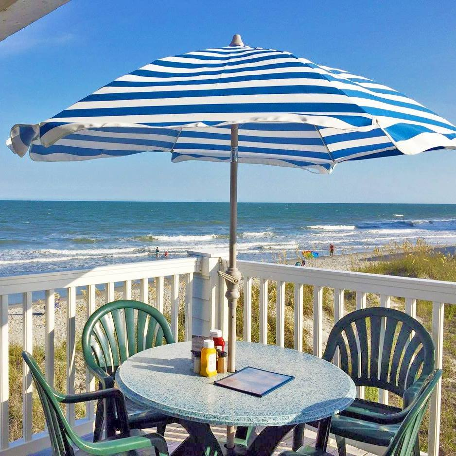 The Beach House Garden City Sc: Bar & Restaurant