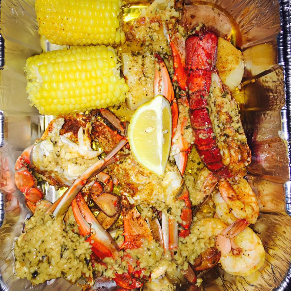 Cowboy crab and seafood restaurant river district for Fish restaurant fort myers