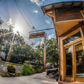 Cafe atchaflaya restaurant garden district new orleans - Garden district new orleans restaurants ...