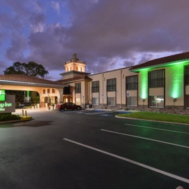 Holiday Inn Suites Tampa North Busch Gardens Travel North Tampa Tampa