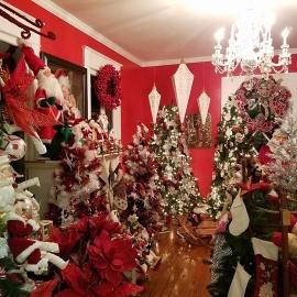 Rogers Christmas House Village at Saxon Manor