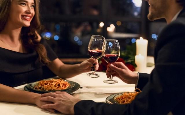 Restaurants In Daytona Beach You'll Love This Valentine's Day