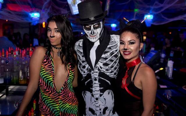 Mango's Tropical Cafe Hosts Hip Hop Masquerade Halloween Party In Orlando