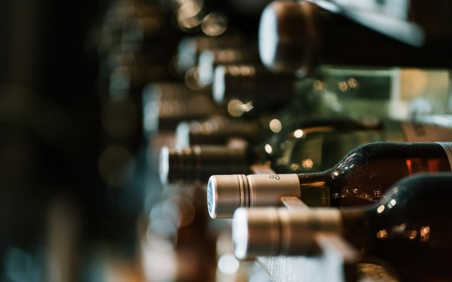 Wine Bars in Sarasota   Pick Up A Bottle Now