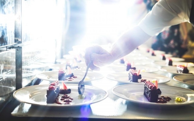 Restaurant Holiday Planning: The 7 Things To Start Doing Right Now