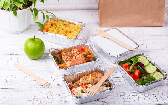 How Restaurants Can Successfully Pivot to Offer Delivery & Take-Out During COVID-19