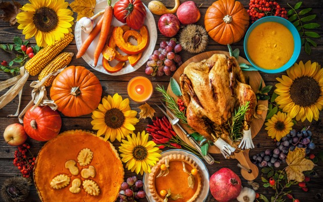 Maggiano's Thanksgiving Day Buffet 2018