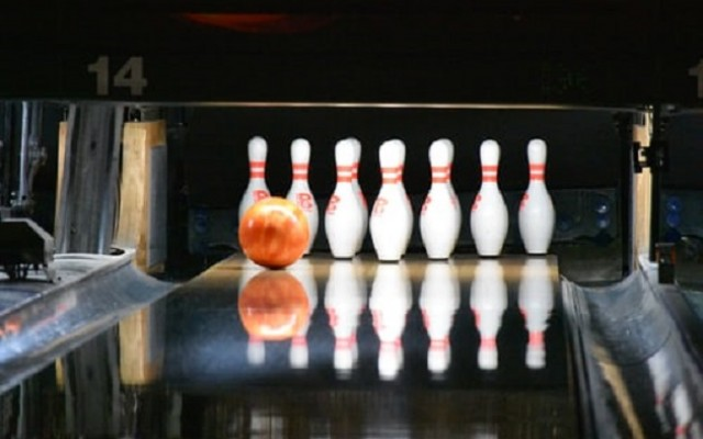 Where to Bowl in Bradenton | Best Bowling Alleys