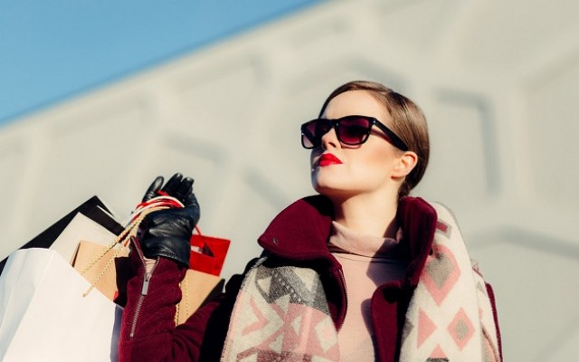 Holiday Fashion Trends This Season and Where to Find Them in Tampa