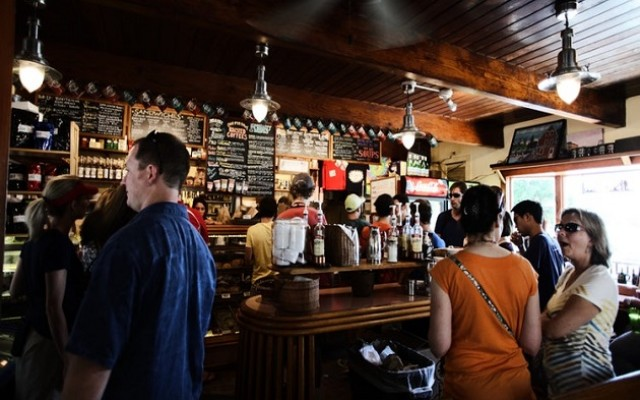 Where to Find the Best Dive Bars in Sarasota