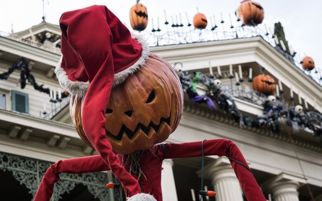 Haunted Attractions in Orlando For Halloween 2021   Horror Nights, Boo Bash, and More