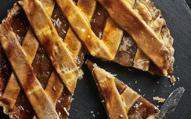 Taste The Best Apple Pie in Orlando