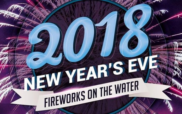 NYE Fireworks on the Water | Cavanaugh's Riverdeck