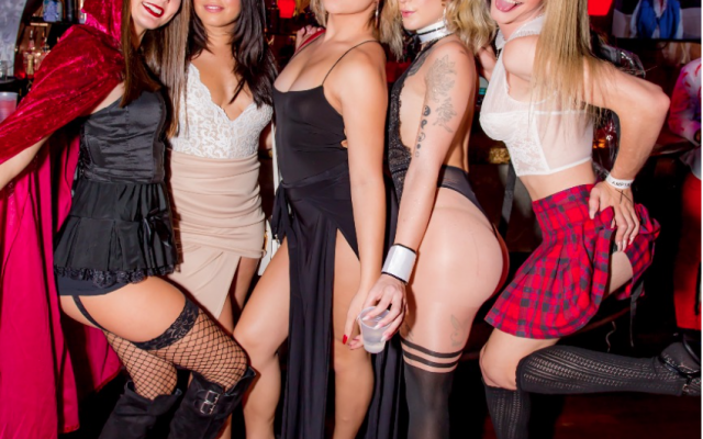 Sexy Trending Halloween Costumes for the Hottest Halloween Parties!