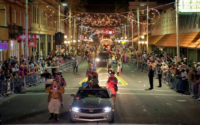 The Do's and Don't Do's of the Gasparilla Knight Parade