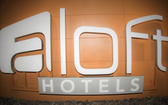 Spotlight Aloft Tampa and W XYZ Bar | Downtown Tampa Hotels
