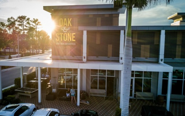 Oak & Stone Raises the Bar for Restaurants in Sarasota With Craft Beer, Great Food, and Excellent Service