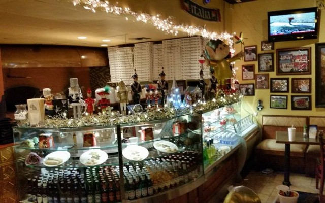 Need a Refill After Shopping? Check Out Some Great Holiday Casual Dining in The 727area