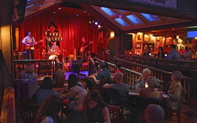 Bars With Live Music in Chicago