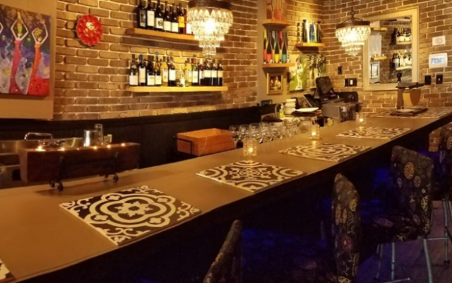 Bites & Bubbles Opens in Mills 50 District