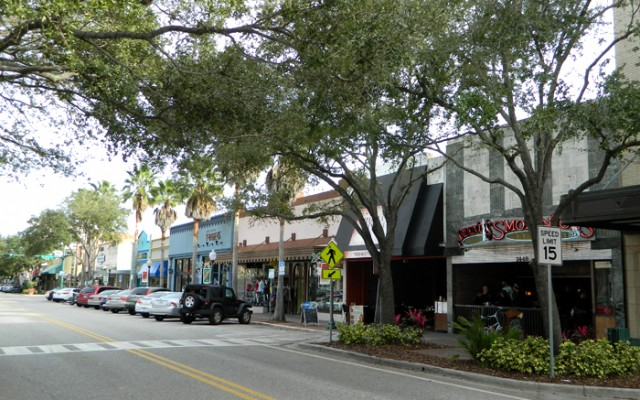 Downtown Sarasota   Shopping, Dining, and Entertainment