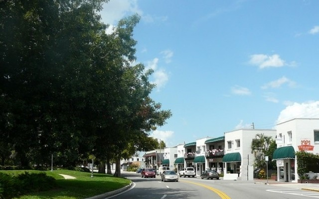 Where To Shop In Ivanhoe Village On Small Business Saturday