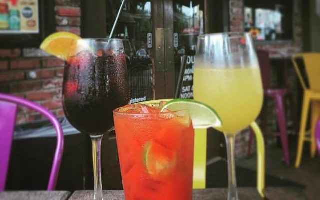 Happy Hour in Thornton Park District   Drink Specials, Dining