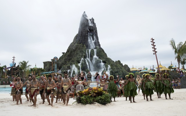 Universal's Volcano Bay Water Park In Orlando Erupts Just In Time For Summer