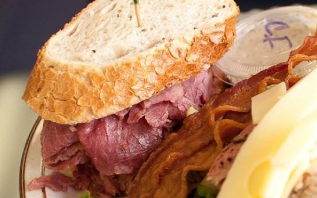 Where to Find the Best Deli's Dishing Up Delicious in Tampa
