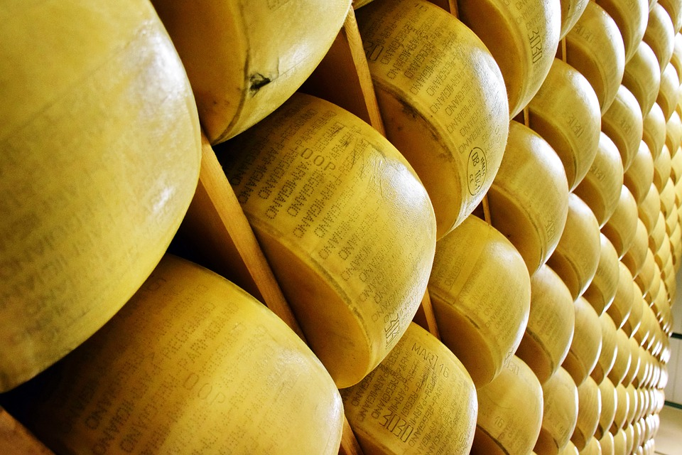 How to Find the Best Cheeses at Whole Foods