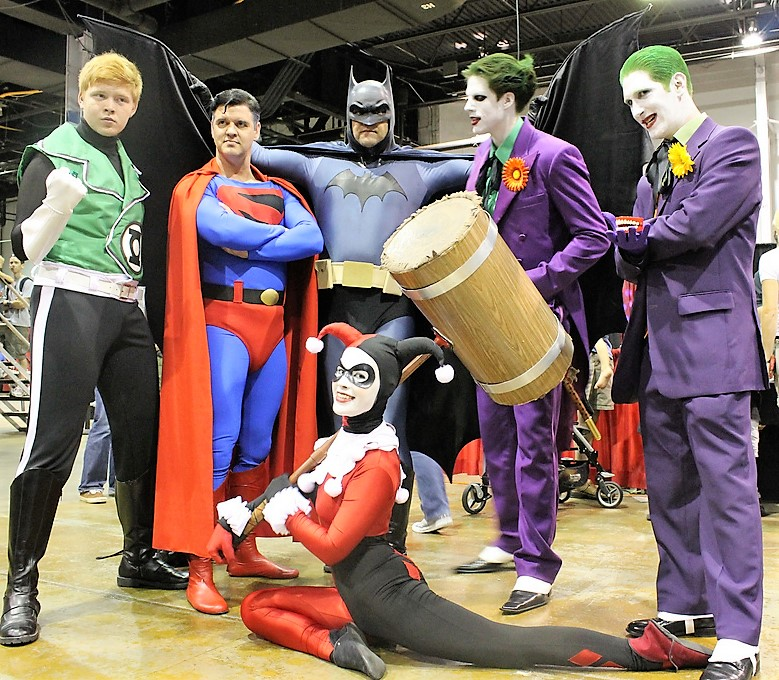 Cosplayers Prepping for Tampa Bay Comic Con