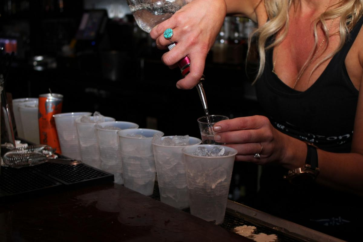The Ultimate Happy Hour List For St. Petersburg, Clearwater, Largo, and More!