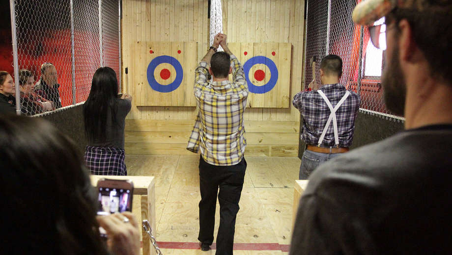 Axe Throwing Tampa is Axe-tion You'll Want in on