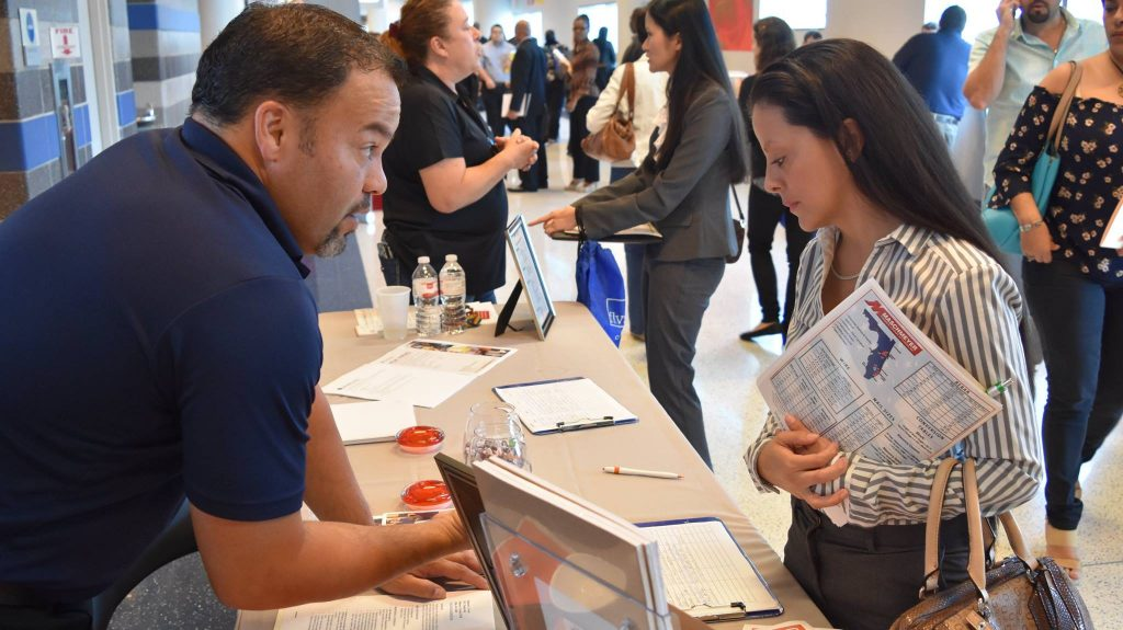 Get Your Resume Ready For Hire Day Orlando Job Fair At The Amway Center