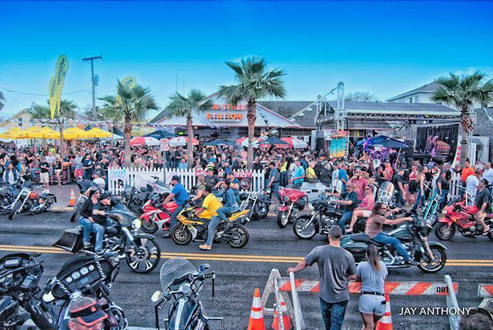 Treat Your Dad to Brunch, a Concert, and a Car Show This Father's Day Weekend in Daytona
