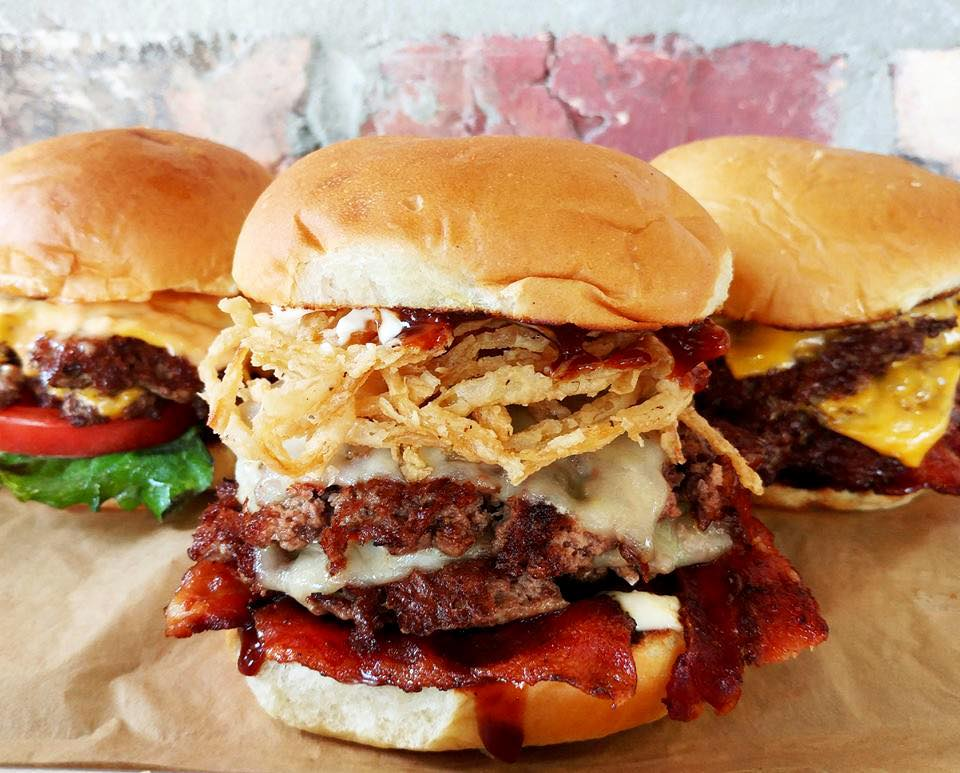 Texas Burger Joint Mooyah Burgers & Fries Shakes Up Hollywood Plaza Orlando