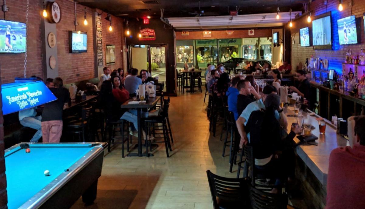 Brewster's Tavern is Sarasota's Newest Gastropub on Main Street!