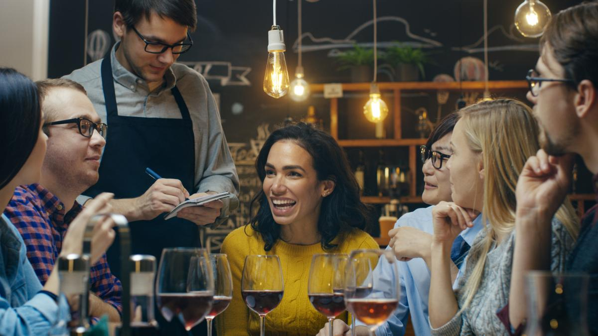 Best Restaurants for Group Dining in St. Petersburg