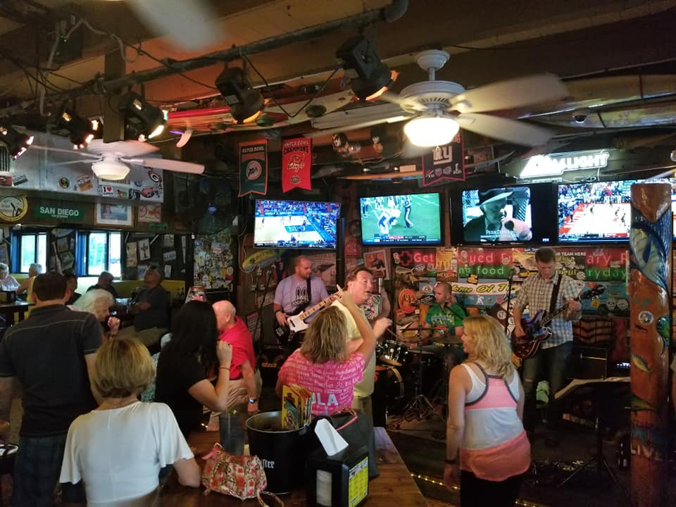 Football Bars in Brevard County | Watch Your Favorite Team Here