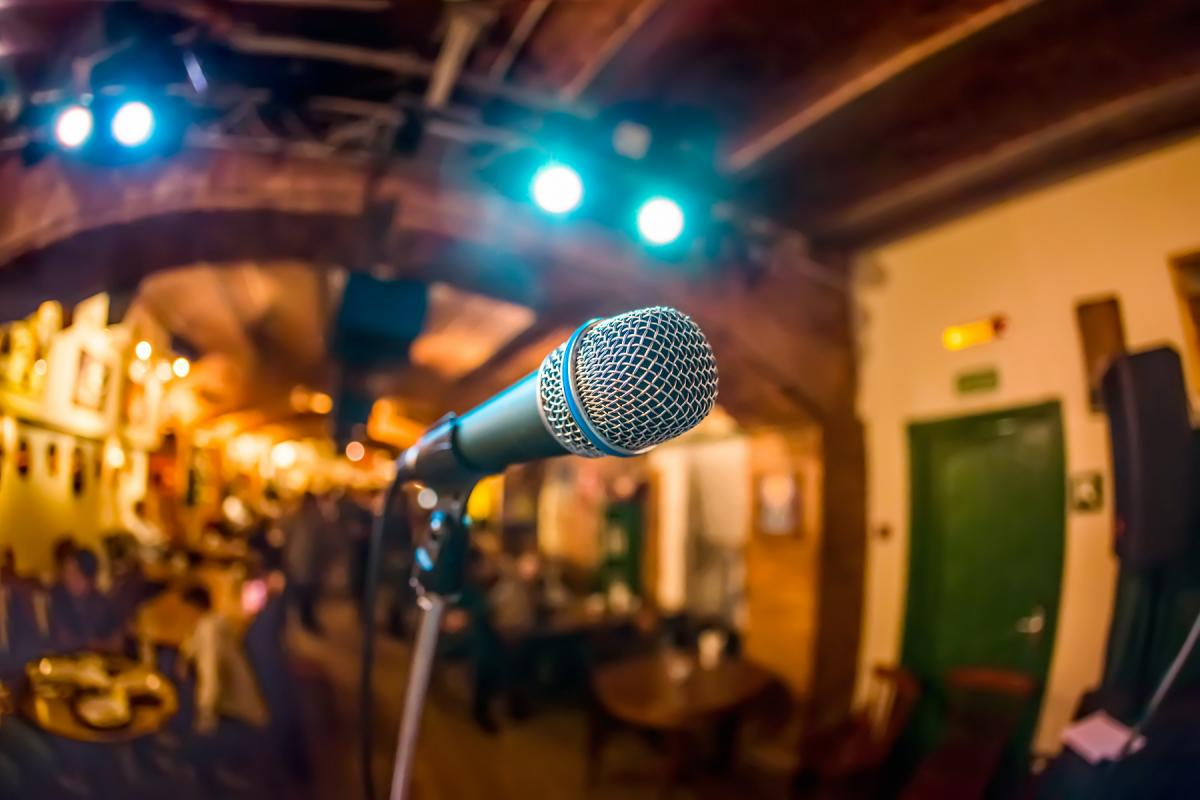 Sing Your Heart Out at These Karaoke Bars in Daytona