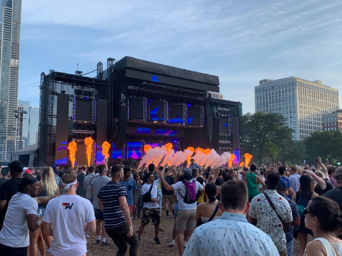 Lollapalooza Day 2 Adventures with Max Frost, Cray, Yoshi Flower, Childish Gambino, Death Cab for Cutie & Tame Impala