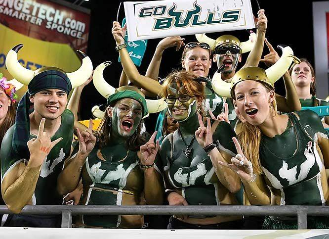 Get Your Game on at Tampa's 3rd Annual College Football Kickoff Bar Crawl Hosted by Downtown Crawlers