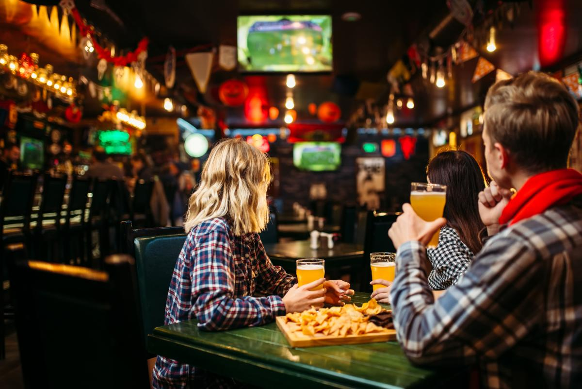 Sports Bars in Ormond Beach To Watch the Game and More